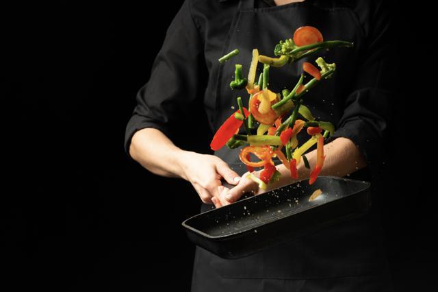 Verduras salteadas con aceite de oliva virgen extra