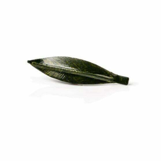 Pin de hoja de olivo verde oscuro hecho a mano