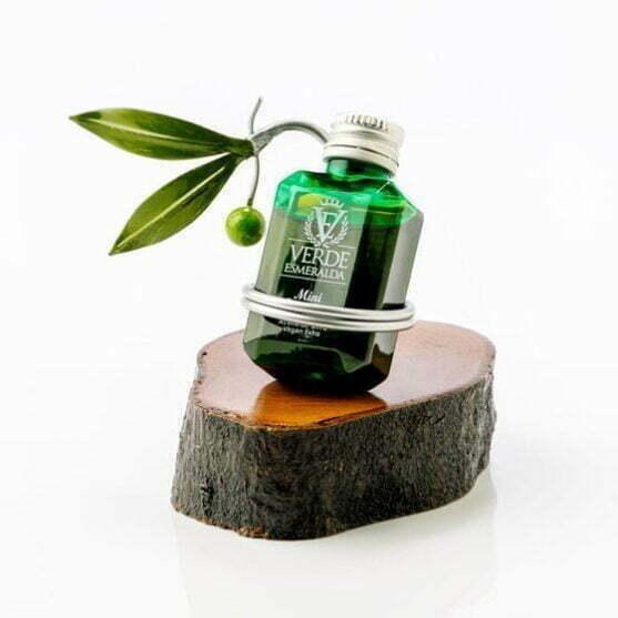 Expositor Verde Esmeralda madera y rama de olivo
