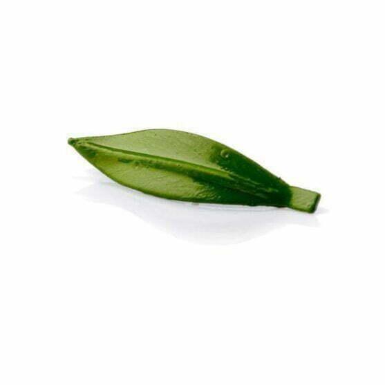 Pin de hoja de olivo verde claro detalle de boda hecho a mano